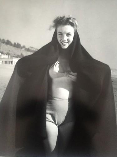 Marilyn. La Sortie De Bain. (1945) by Andre De Dienes