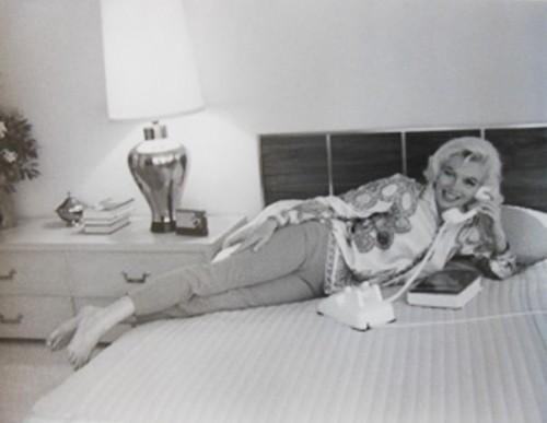 Marilyn Monroe. Au Lit (1962) by Andre De Dienes