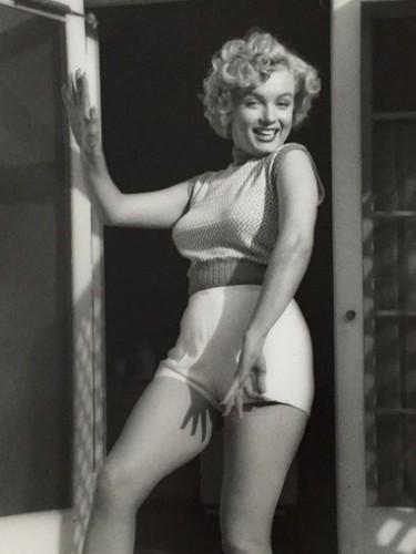 Marilyn Monroe. Bungalow by Andre De Dienes
