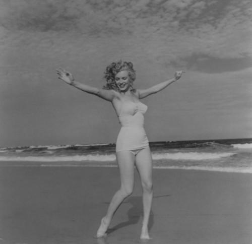 Marylin Monroe (1949) by Andre De Dienes