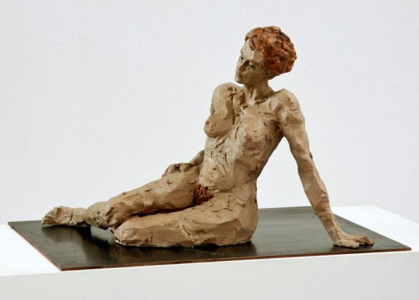 Liegende Frau by Stephan Balkenhol