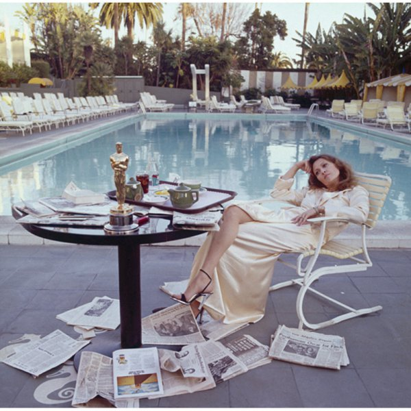 Faye Dunaway, Beverly Hills Hotel, 1977 by Terry O'Neill