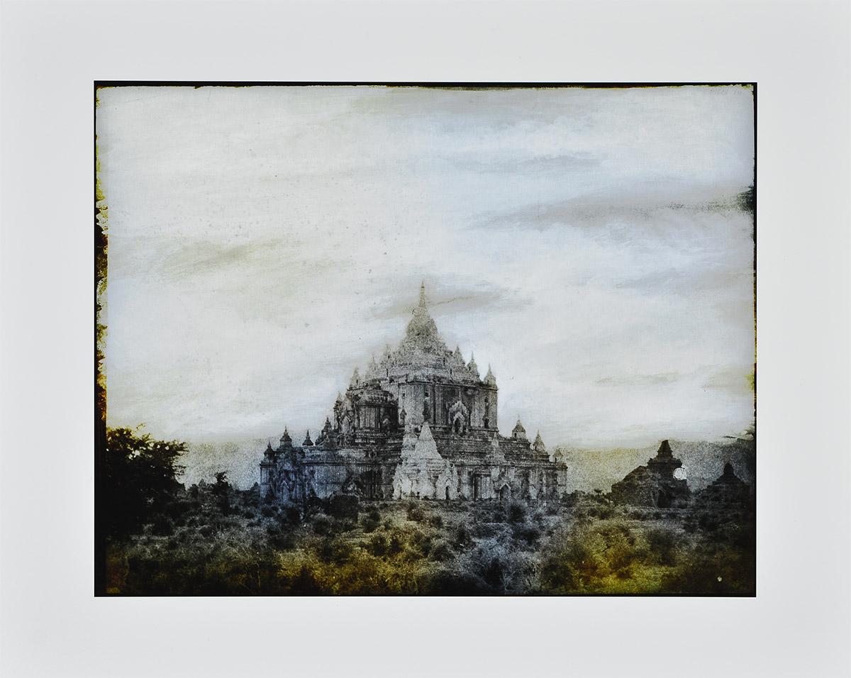 Tripe_08 (pugahm Myo. Thapinyu Pagoda) by Thomas Ruff