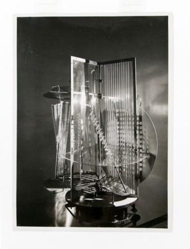 Das Lichtrequisit (light Space Modulator) by Laszlo Moholy-Nagy
