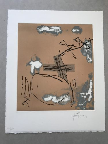 Creu Encolada by Antoni Tapies