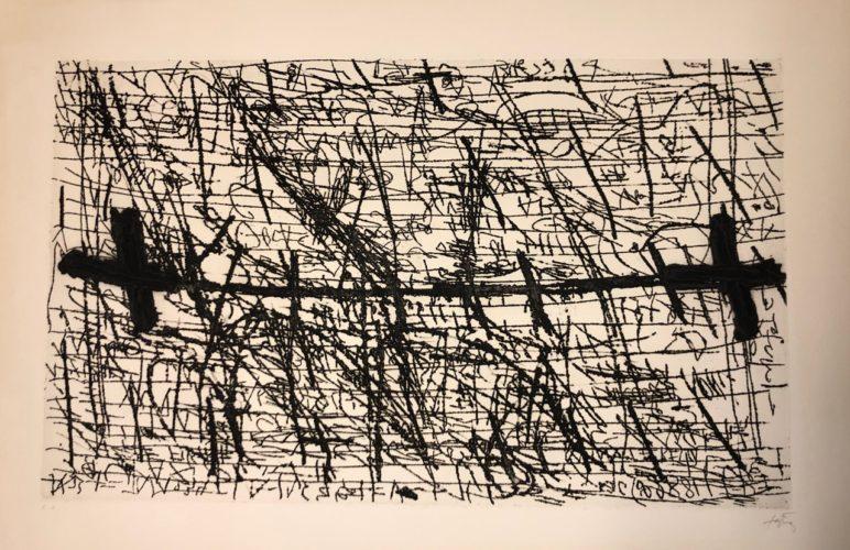 Graphismes et deux croix by Antoni Tapies