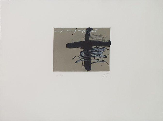 Aparicions 8 by Antoni Tapies at