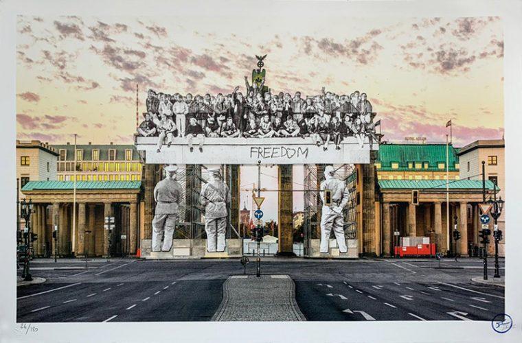 Giants, Brandenburg Gate, September 27, 2018, 18h55, © Iris Hesse, Ullstein Bild, Roger-Viollet, Ber... by JR at